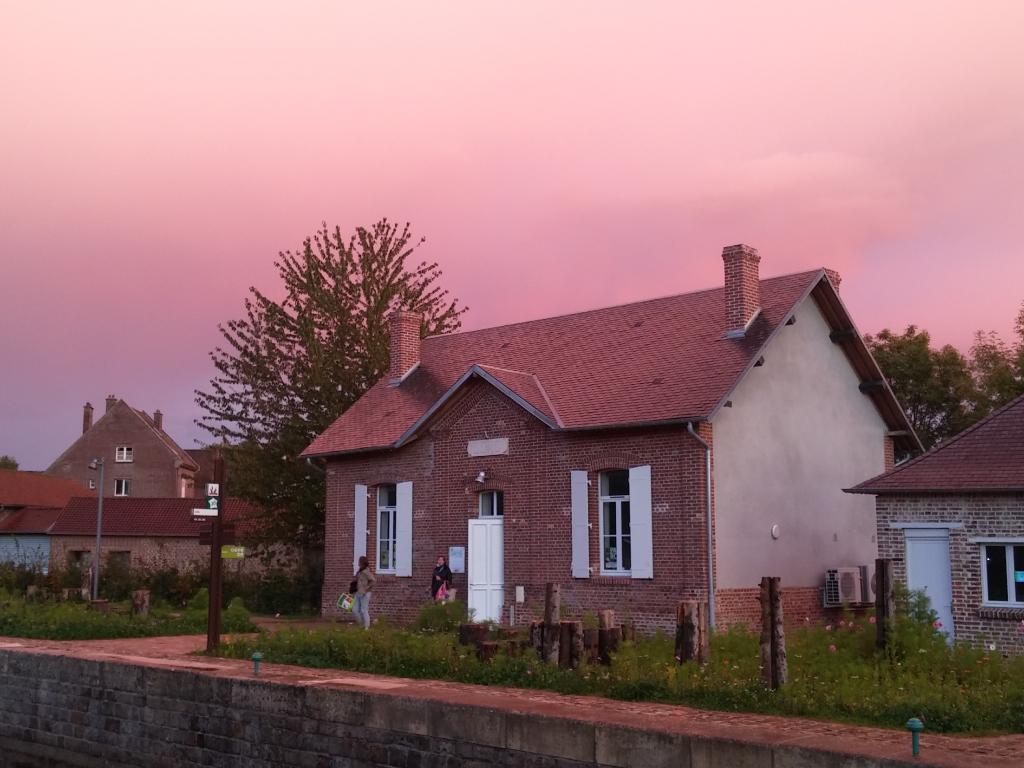 """Featured image for """"Maison éclusière de Long"""""""